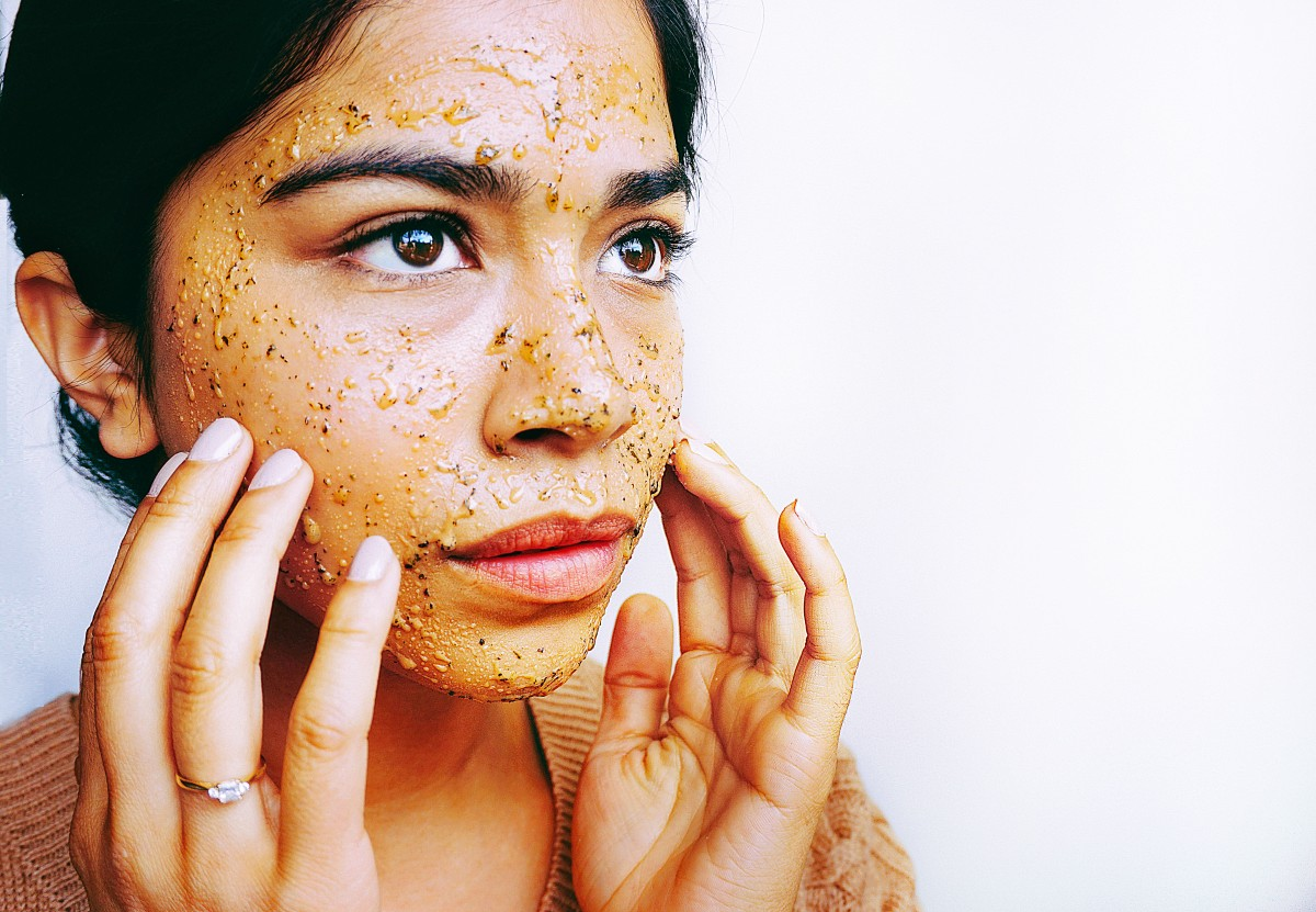 Tea and Honey Face Scrub